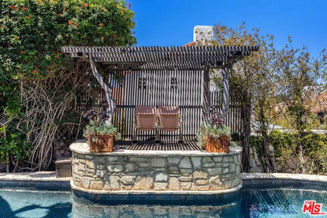 14. 453 Via Media Palos Verdes Estates, CA 90274