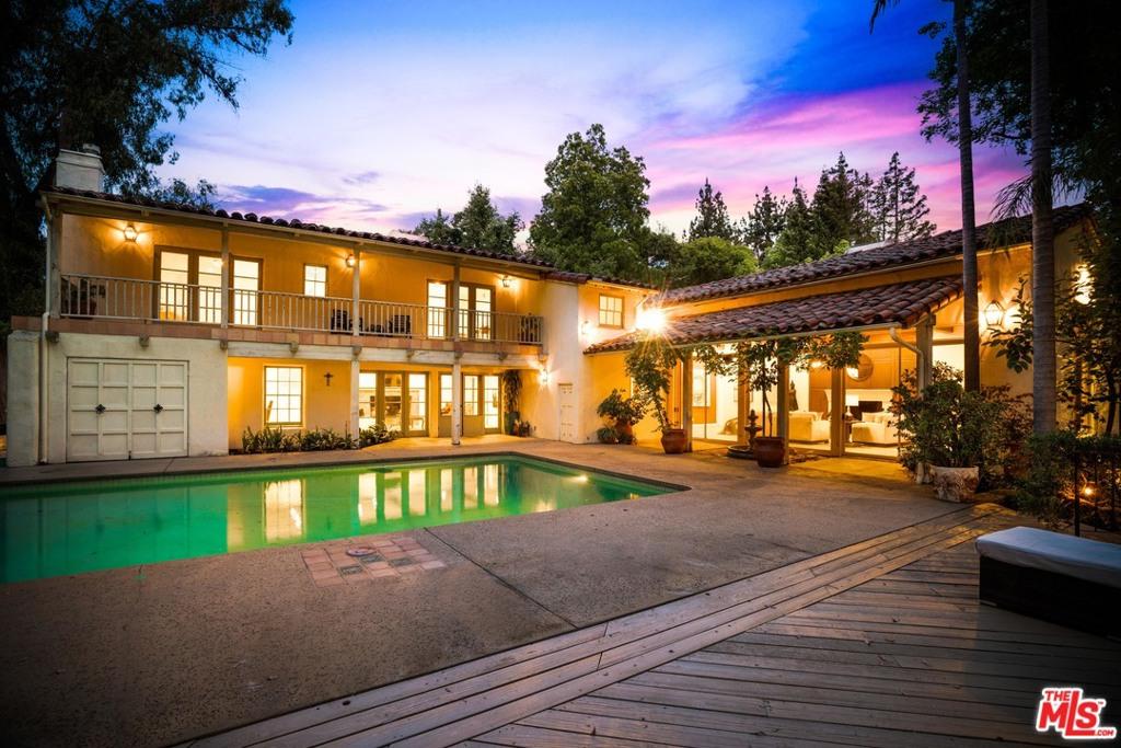 5000     Arundel Drive, Woodland Hills CA 91364