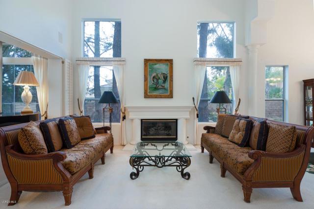 1790 Bronzewood Court, Newbury Park, CA 91320