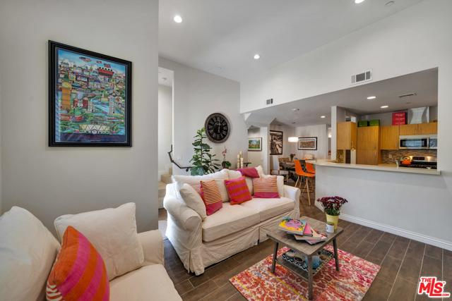 4541 Colfax Avenue 103, Studio City, CA 91602