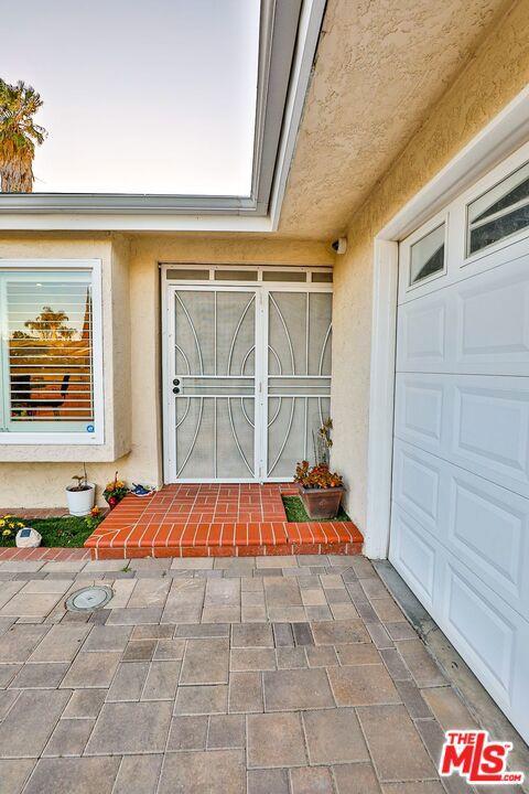 6331   N Zelzah Avenue, Encino CA 91316