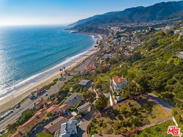 17502 W Revello Drive, Pacific Palisades, CA 90272