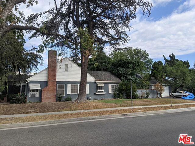 1418 W Oak Street, Burbank, CA 91506