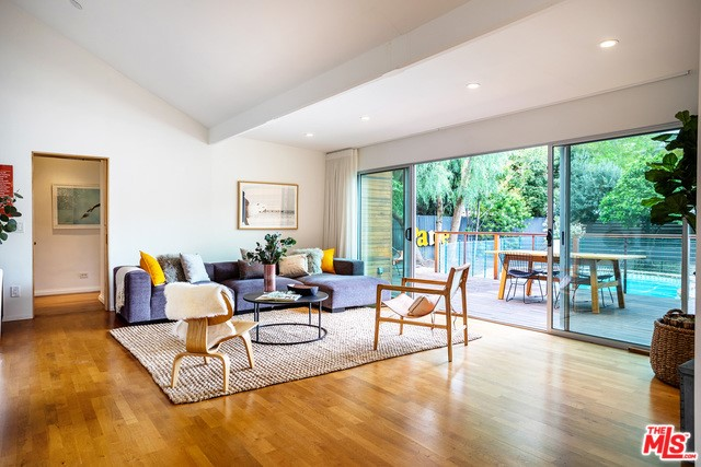 4001 ALCOVE Avenue, Studio City, CA 91604