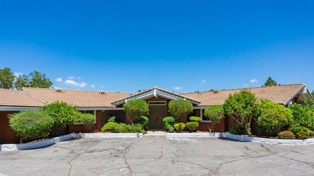 18520 Bernardo Trails Dr, San Diego, CA 92128