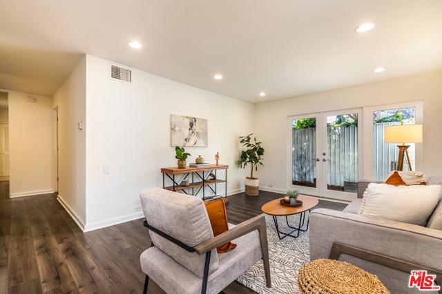 6. 330 S Barrington Avenue #110 Los Angeles, CA 90049