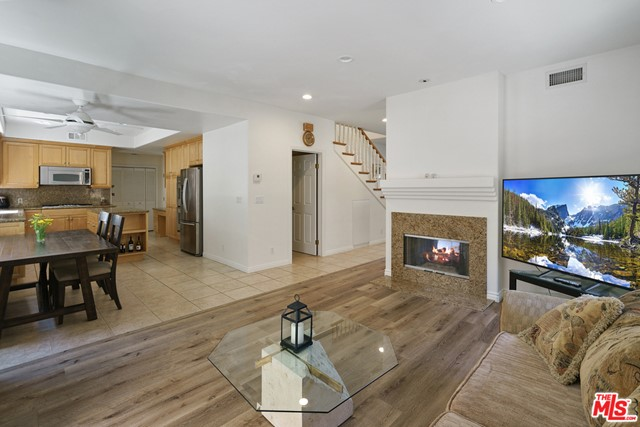 11. 3110 Foothill Drive Thousand Oaks, CA 91361