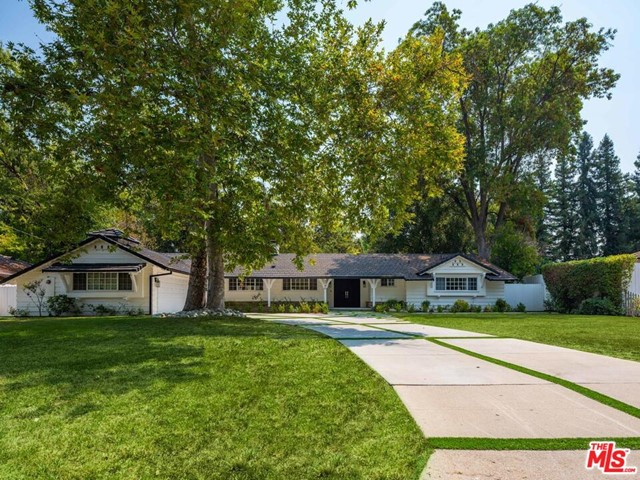 Photo of 5146 Calenda Drive, Woodland Hills, CA 91367