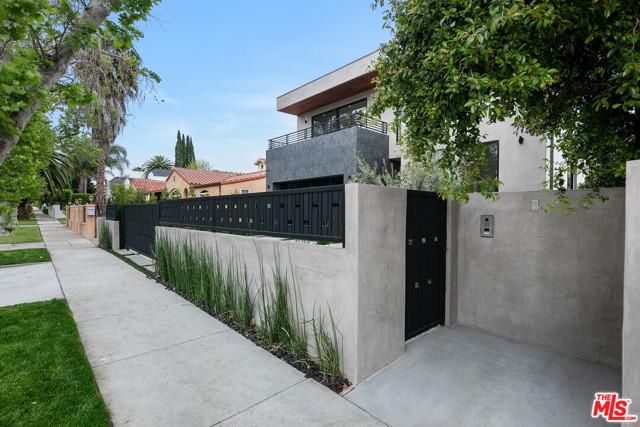 10. 716 N Fuller Avenue Los Angeles, CA 90046
