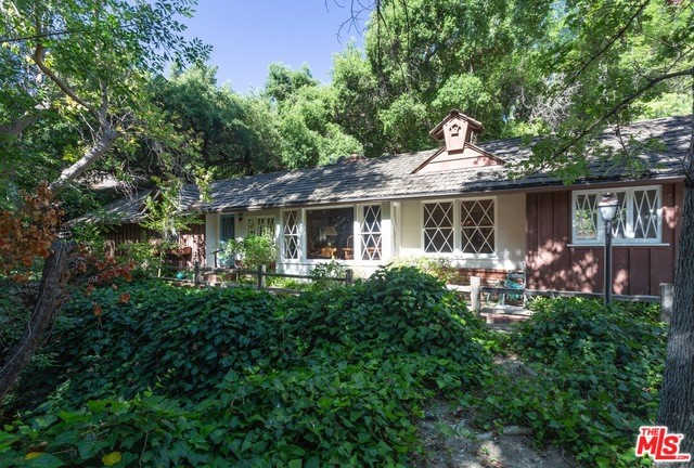 3921 KINGSWOOD Road, Sherman Oaks, CA 91403