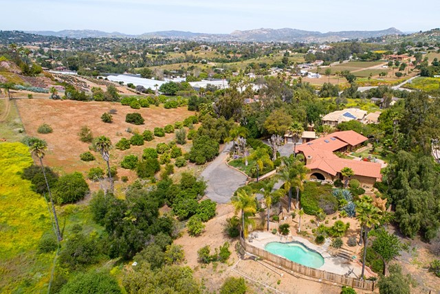 2453 San Pasqual Valley Road, Escondido, CA 92027
