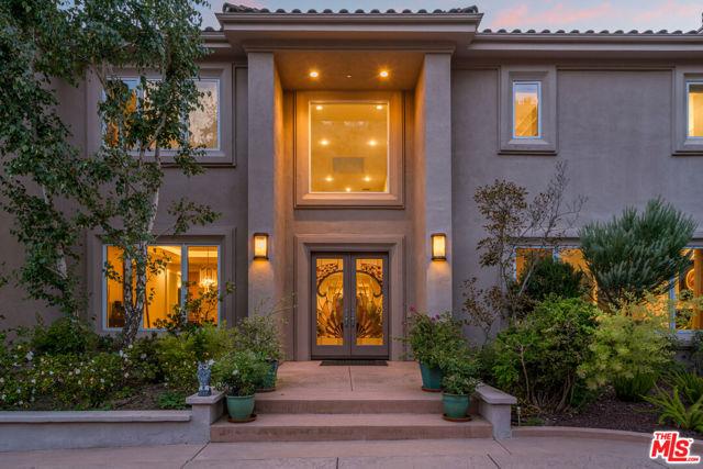 1607 N Bundy Drive, Los Angeles, CA 90049