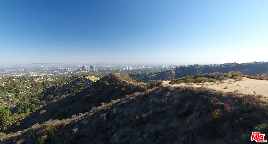 Photo of 9650 Royalton Drive, CA 90210