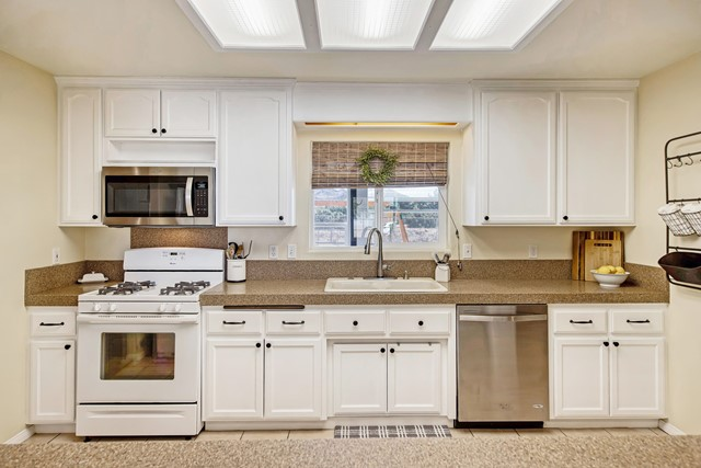 20. 8628 San Vicente Drive Yucca Valley, CA 92284