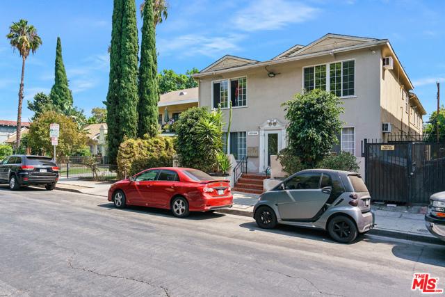 6224 De Longpre Avenue, Los Angeles CA: https://media.crmls.org/mediaz/552FCF71-4C34-495A-93FA-82E86A5FB691.jpg