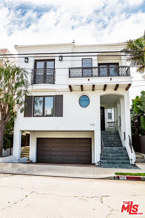 710 8TH Place, Hermosa Beach, California 90254, 4 Bedrooms Bedrooms, ,2 BathroomsBathrooms,For Sale,8TH,20578834