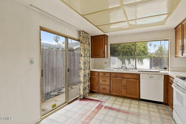 5. 1239 Seafarer Street Ventura, CA 93001