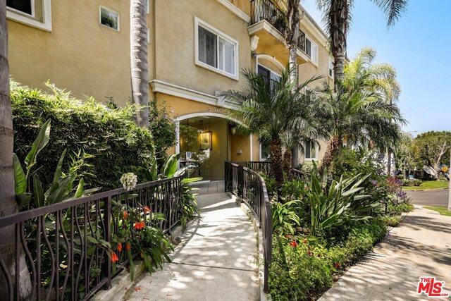 3401 S BENTLEY Avenue 203, Los Angeles, CA 90034