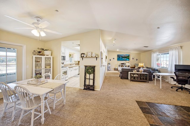 16. 8628 San Vicente Drive Yucca Valley, CA 92284