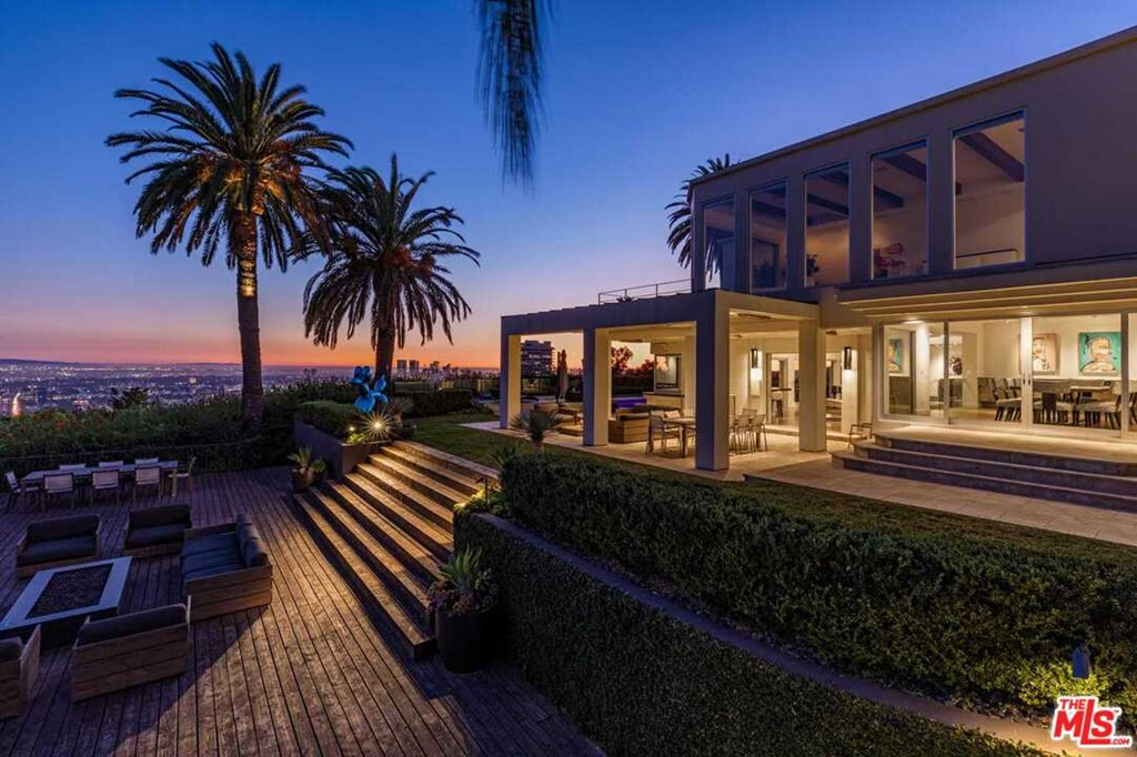 Photo of 1380 Mockingbird Place, Los Angeles, CA 90069