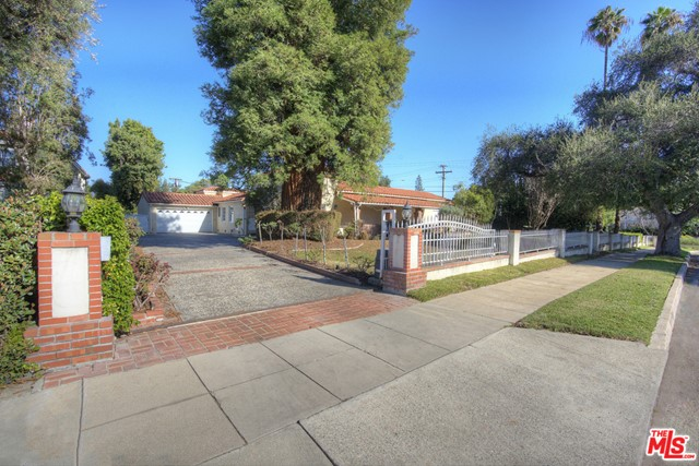 3. 2700 S Oak Knoll Avenue San Marino, CA 91108