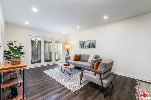 2. 330 S Barrington Avenue #110 Los Angeles, CA 90049