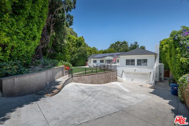 3. 16633 Oak View Drive Encino, CA 91436