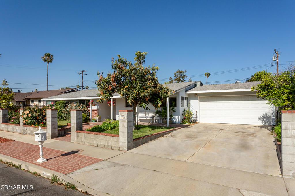 1758     Barnes Street, Simi Valley CA 93063