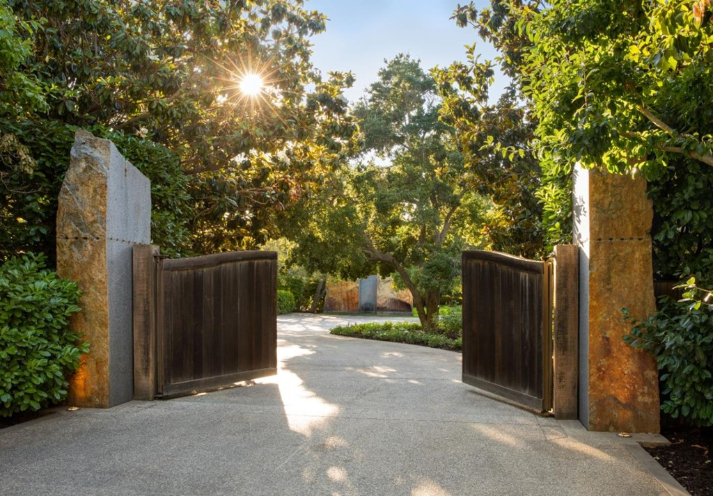 Photo of 170 Atherton Avenue, Atherton, CA 94027