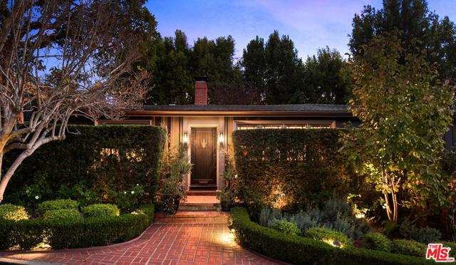 6424 Ivarene Ave, Los Angeles, CA 90068