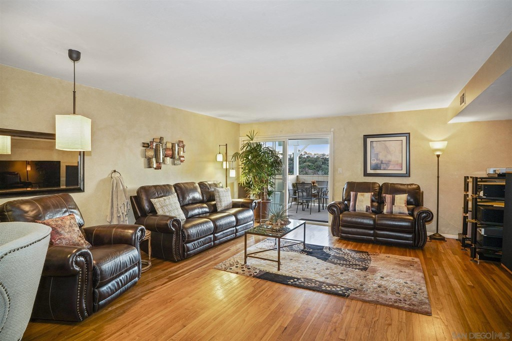 Desirable location off Governor Dr minutes to the 805 and 52 freeways. This lovingly maintained condo resides in the beautiful green belted community of Pennate Village in UTC. End unit with granite counter tops, 3 good sized bedrooms, wood floors, custom paint, and a large family room that leads to a deck with sweeping canyon views and gorgeous sunsets.  Community has a large swimming pool, tennis/sports courts and community room for your entertaining needs. This is a rare opportunity at $550k in UTC.  This is  a beautiful property in a wonderful and well maintained community consisting of townhomes, condos and single family homes. The mature landscaping provides a park like atmosphere for owners enjoyment. This is a rare opportunity in UTC at this price! Equipment:  Dryer Other Fees: 0 Sewer:  Sewer Connected Topography: ,
