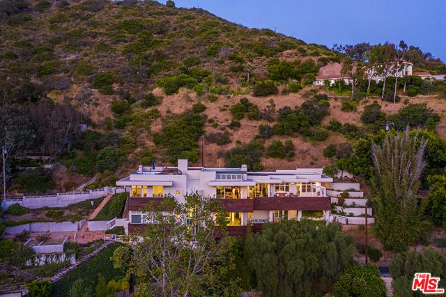 36. 21070 Las Flores Mesa Drive Malibu, CA 90265