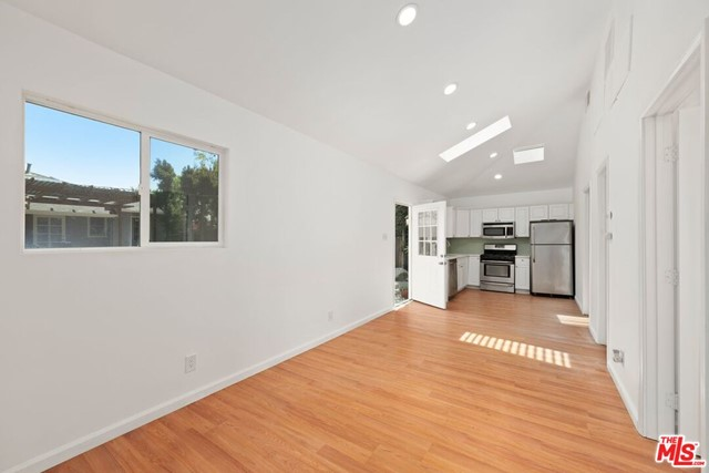 42. 745 N Poinsettia Place Los Angeles, CA 90046