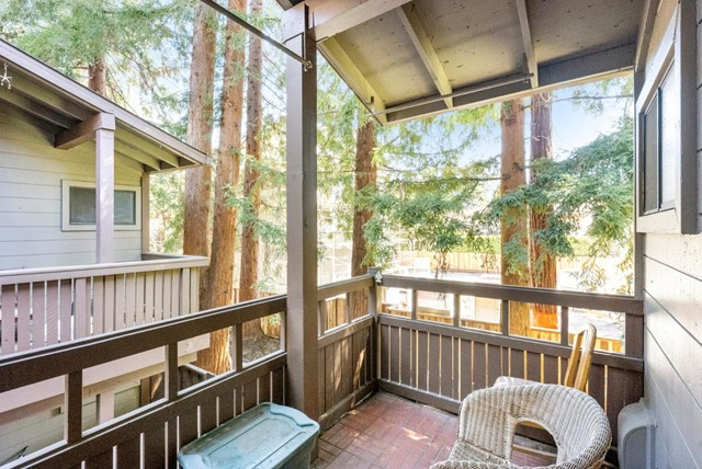 27. 2040 Middlefield Road #24 Mountain View, CA 94043