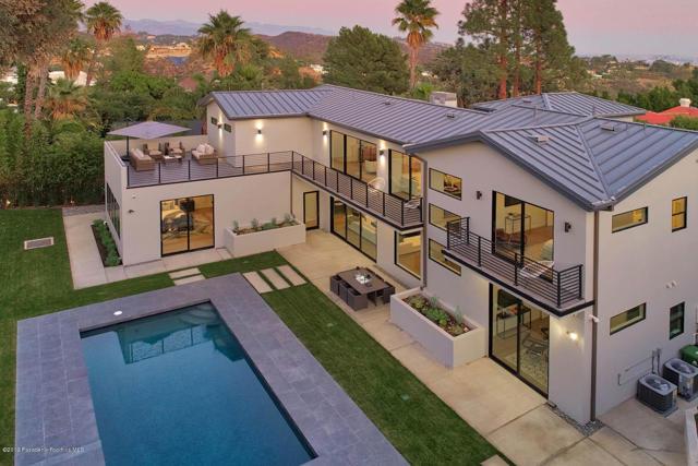 10825 Vicenza Way, Los Angeles, CA 90077