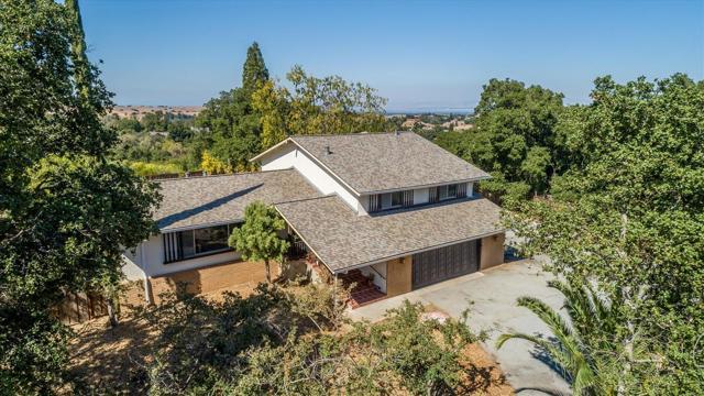 27999 Via Ventana Way, Los Altos Hills, CA 94022