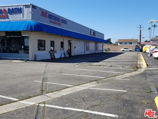 Location, Location, Location.  Two unit free-standing retail on a busy thoroughway.  Large lot with future development opportunity.  Front unit is vacant for owner use.  Owner user buyer may obtain SBA financing with 10-15% downpayment.