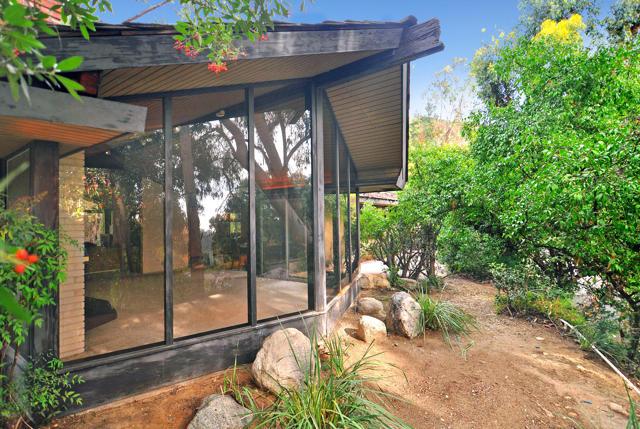 1590 Knollwood Terrace, Pasadena, CA 91103