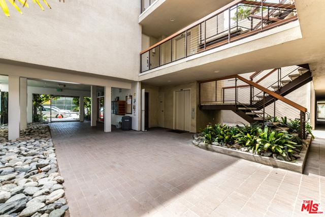 25. 330 S Barrington Avenue #110 Los Angeles, CA 90049