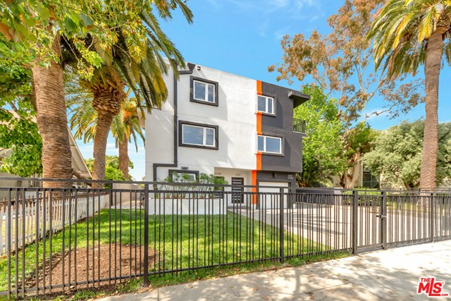 1235 W 39TH Place, Los Angeles, CA 90037