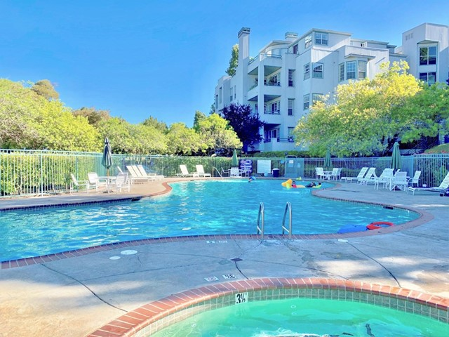 740 Promontory Point Lane 3201, Foster City, CA 94404