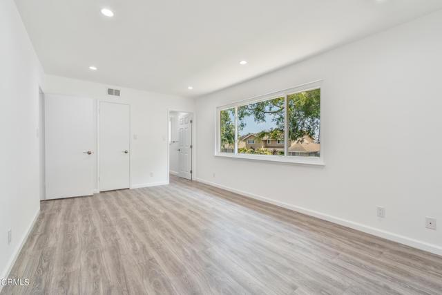 42. 541 Kentwood Drive Oxnard, CA 93030
