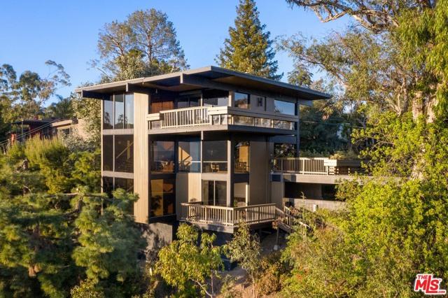 Image 22 of 1249 N Tigertail Rd, Los Angeles, CA 90049
