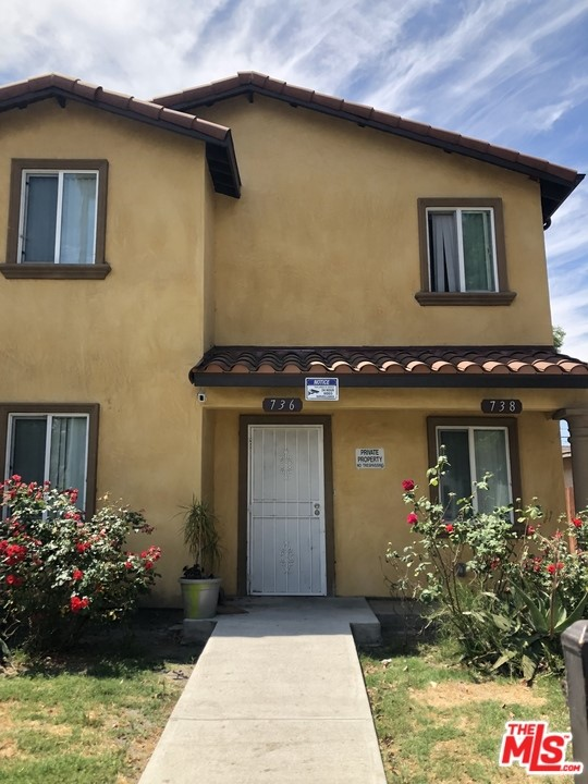 738 E 75TH Street, Los Angeles, CA 90001