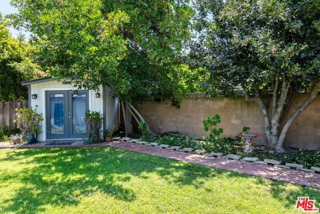 32. 3962 Coldwater Canyon Avenue Studio City, CA 91604