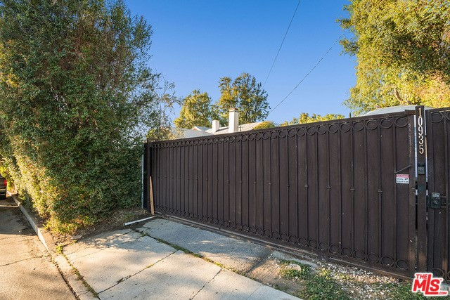 10935 Longford St, Lakeview Terrace, CA 91342 Photo 34
