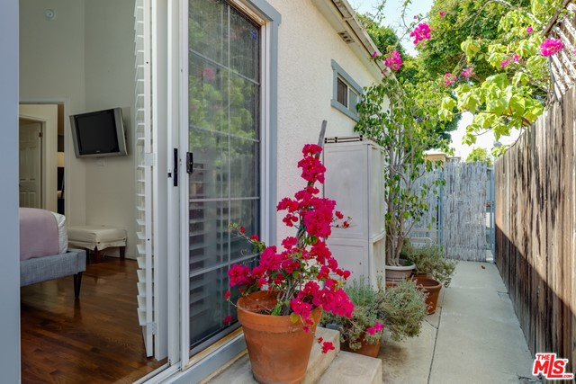 2134 Oak St, Santa Monica, CA 90405 Photo 21