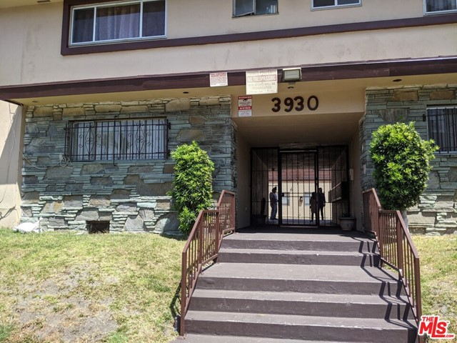 Court date is set.  Agents please see private remarks for more information.  76-unit Apartment building with soft story retrofit completed.  Unit mix is 60 1 bedrooms/1 bathrooms, 3  2 bedrooms/1 bathrooms, and 13 2 bedrooms/2 bathrooms. Building square footage is 72,036 situated on a 74,272 square foot lot.  Located in the Baldwin Village neighborhood of South Los Angeles.  Probate sale, court confirmation is required.