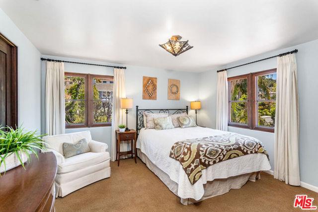 32. 453 Via Media Palos Verdes Estates, CA 90274