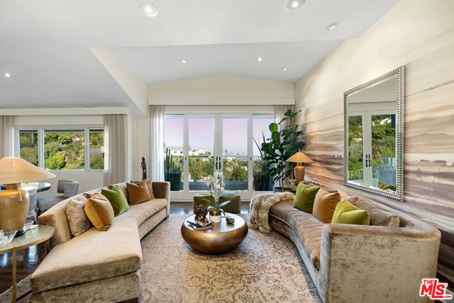 1478 Stebbins Terrace Los Angeles, CA 90069